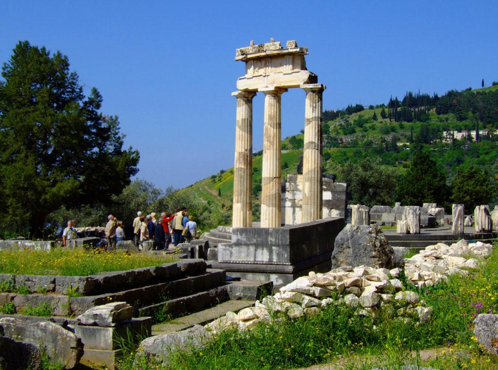 delphi athena tempel griechenland